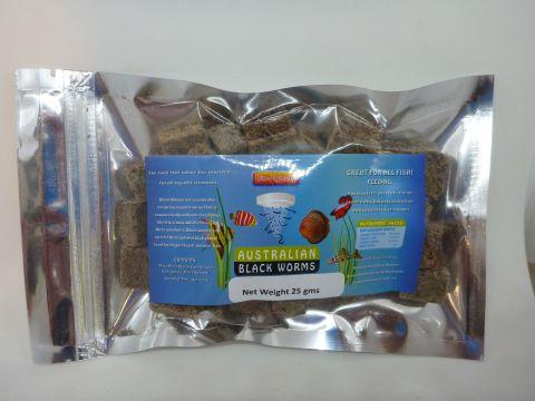 Freeze dried blackworm cubes 25g With Bio pigment plus